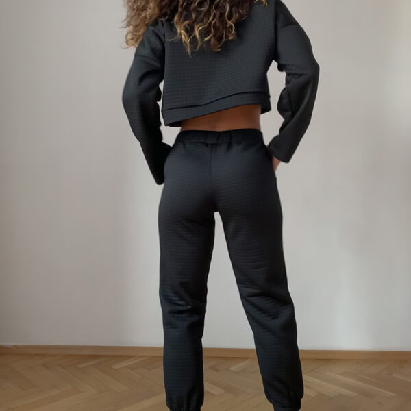Krótka bluza sportowa z sztywnym kołnierzem (H15/4)